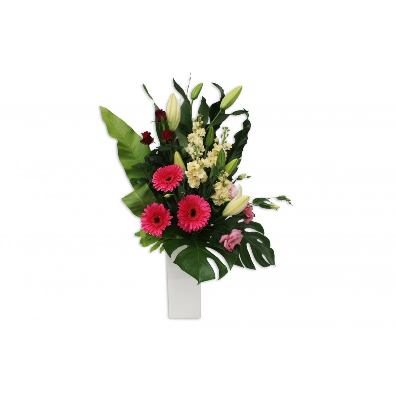 Pink-Elegance-Premium-Flower-Arrangement-Perth-1
