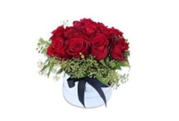Red Roses in a Hat box